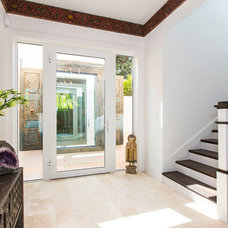 Beach Style Entry by Tobias Architecture