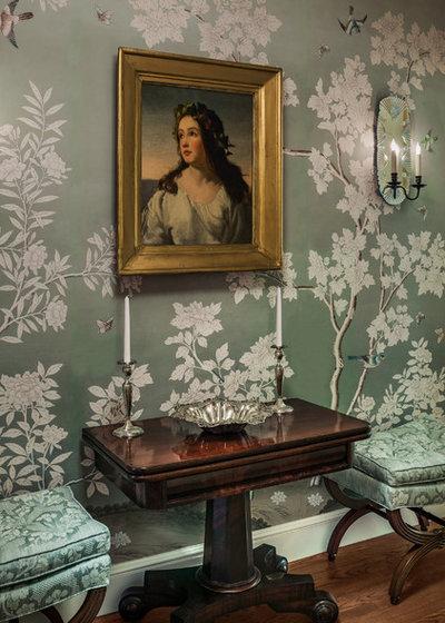Victorian Entry by Eberlein Design Consultants Ltd.