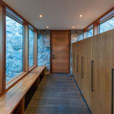Contemporary Entry by Sarah Jones Design