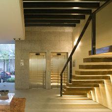 Contemporary Entry by Serrano Monjaraz Arquitectos