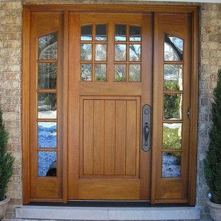Große Urige Haustür mit Einzeltür und heller Holztür in Chicago