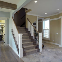 traditional entry by Weaver Custom Homes