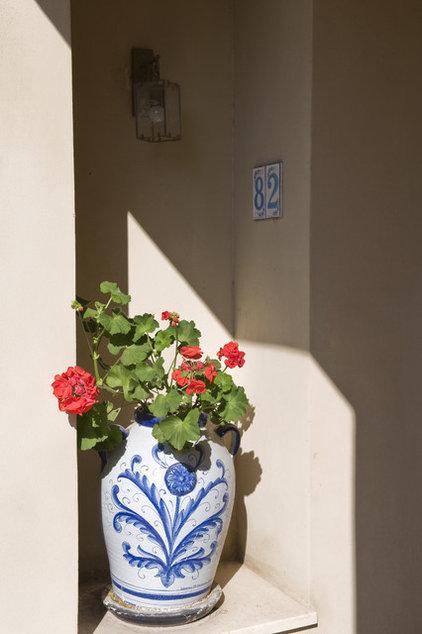 Mediterranean Entry by NURIT GEFFEN-BATIM STUDIO