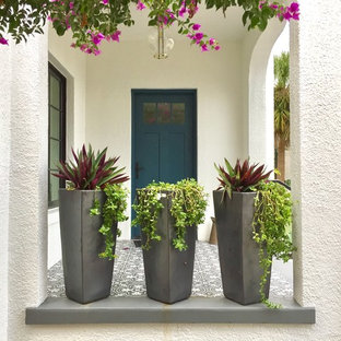 Mediterranean Patio and Front Entry -- Gorgeous in Sun-Soaked Sarasota