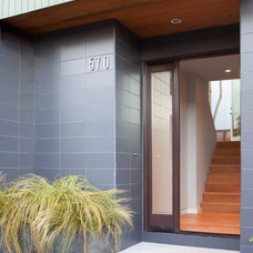 Modern Entry by McElroy Architecture, AIA