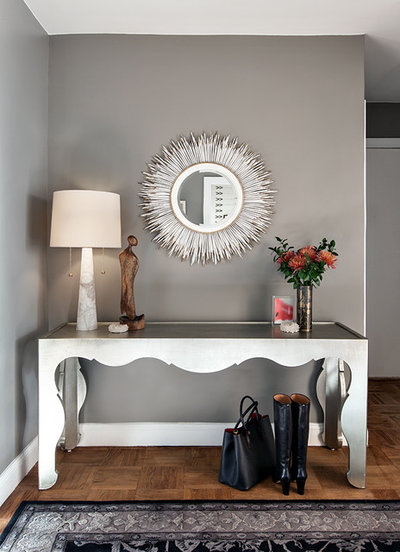 Transitional Entry by Allison Lind Interiors