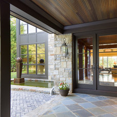 Contemporary Entry by Lynbrook of Annapolis, Inc.