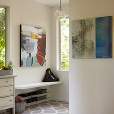 Contemporary Entry by Dehn Bloom Design