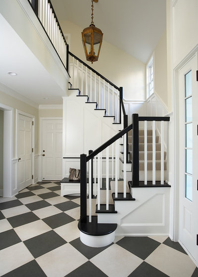 Traditional Entrance by COOK ARCHITECTURAL Design Studio