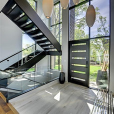 Contemporary Entry by Turnquist Design