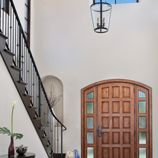 Traditional Entry by Clarum Homes