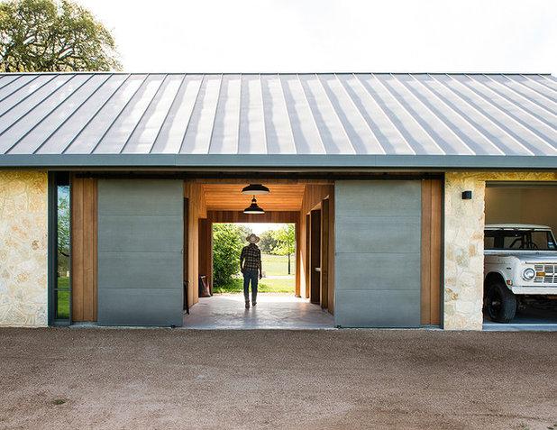 Farmhouse Entry by Jobe Corral Architects