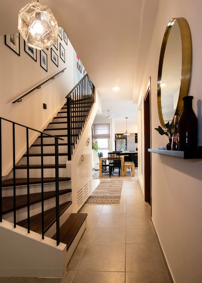 Modern Entrance by Weespaces