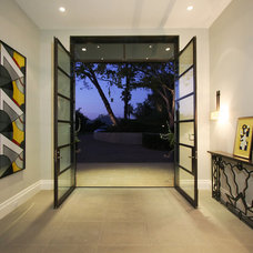 Modern Entry by Abramson Teiger Architects