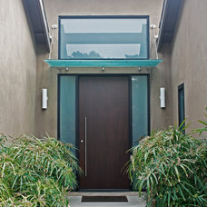 Contemporary Entry by Boswell Building Solutions