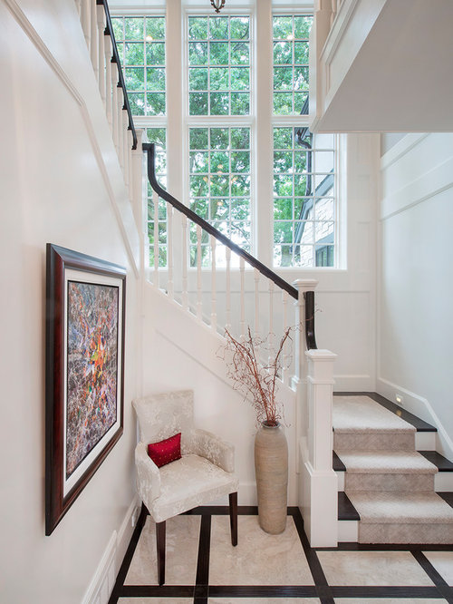 Transitional omaha entryway design ideas remodels photos for Transitional foyer ideas