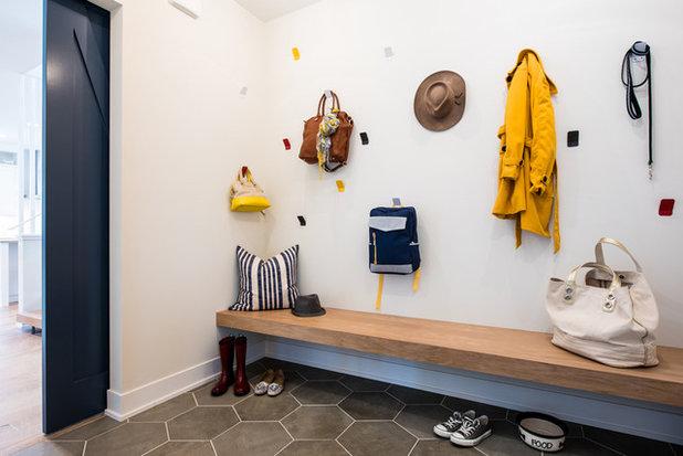 9 astuces pour accrocher les manteaux de toute la famille dans l 39 entr e. Black Bedroom Furniture Sets. Home Design Ideas
