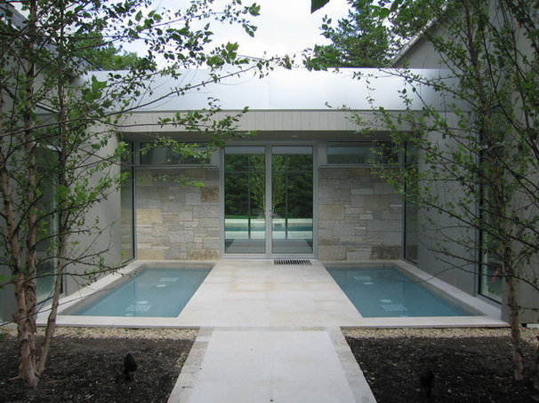 Contemporary Entry by Bruce D. Nagel Architect