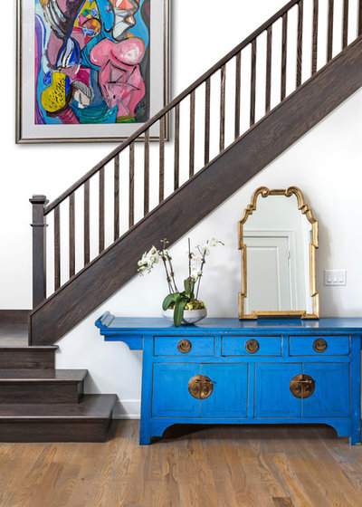 Transitional Entry by Karen Kempf Interiors