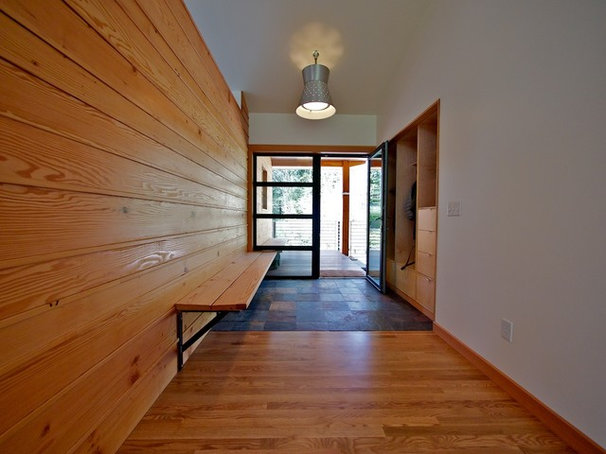 Modern Entry by Bicycle Homebuilding Company