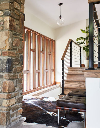 Rustic Entry by CIRCLE Design Studio