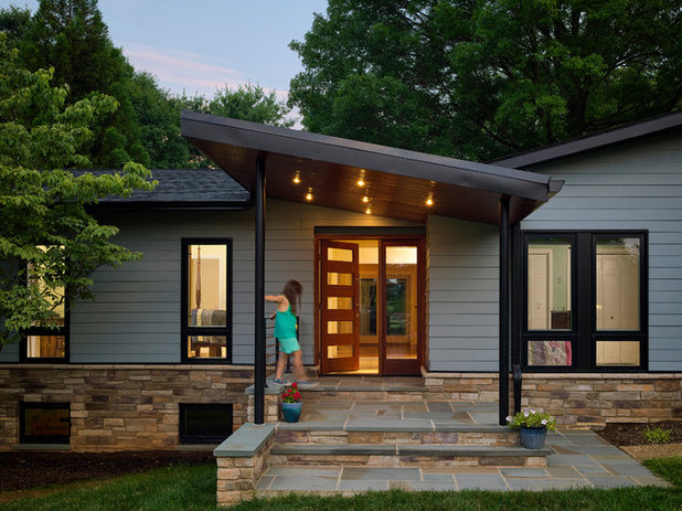 Midcentury Entry by place architecture:design