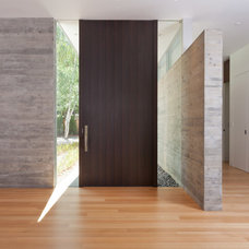 Modern Entry by Lencioni Construction
