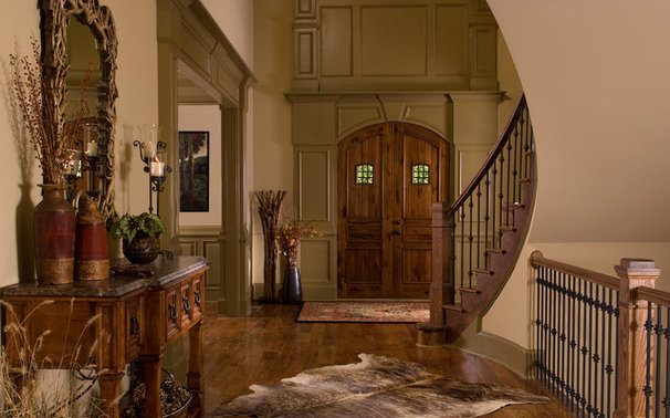 Rustic Entry by Terri Ervin Decorating Den Interiors