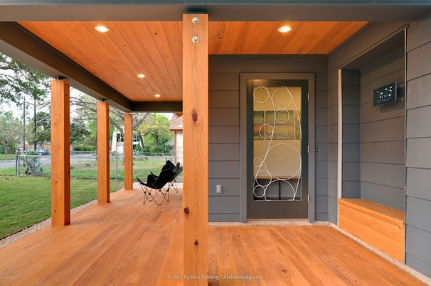 Contemporary Entry by Stuart Sampley Architect