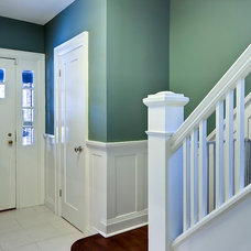Traditional Entry by Beauparlant Design inc