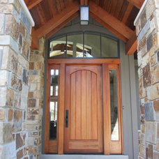 Traditional Entry by Trego Architects, LLC
