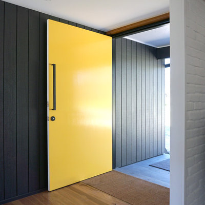 Contemporary Entry by Benedict Design