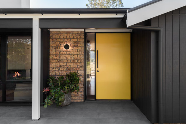 Midcentury Entrance by Benedict Design