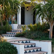 Mediterranean Entry by MTLA- Mark Tessier Landscape Architecture