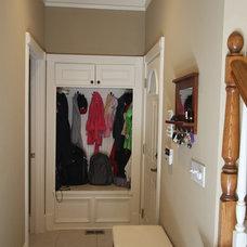 Traditional Entry by Atlanta Legacy Homes, Inc.