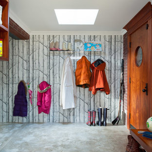 Eclectic mudroom photo in Toronto