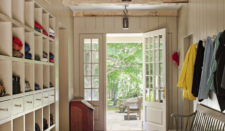 New This Week: 5 Farmhouse-Style Entryways We Want to Come Home To