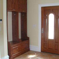 Traditional Entry by Marie Newton, Closets Redefined