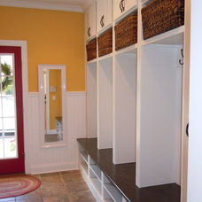 Traditional Entry by Collier Builders
