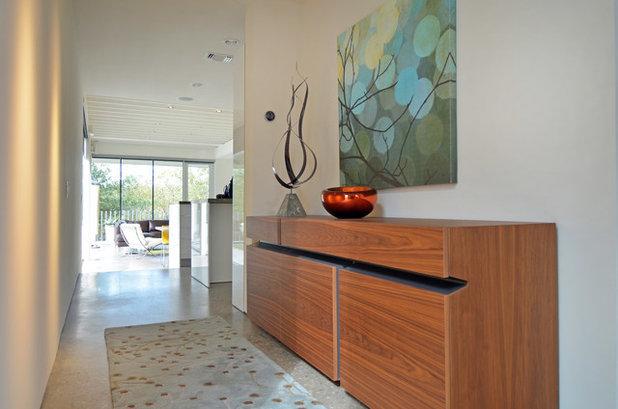 Modern Entry by Sarah Greenman