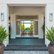 Contemporary Entry by Harwick Homes