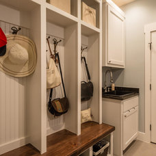 Traditional Entry by Urban Squared Realty, Brickley Team