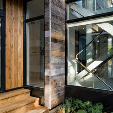 Contemporary Entry by Christopher Simmonds Architect