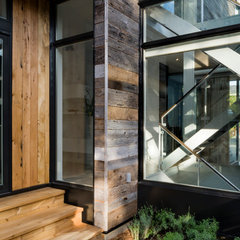 modern entry by Christopher Simmonds Architect