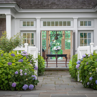 Shrubs In Front Of House In New England Ideas Photos Houzz
