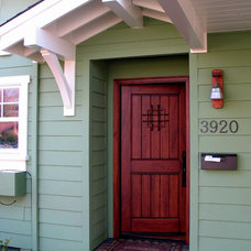 Craftsman Entry by Madson Design