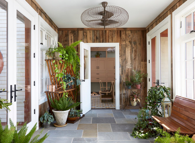 Farmhouse Entry by Dan Ruhland Designs LLC