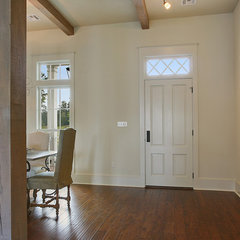 traditional entry by Highland Homes, Inc.