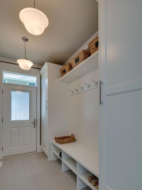 photos et id es d co d 39 entr es avec un sol en carrelage de. Black Bedroom Furniture Sets. Home Design Ideas