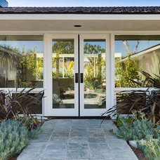 Midcentury Entry by Christiano Homes, Inc.
